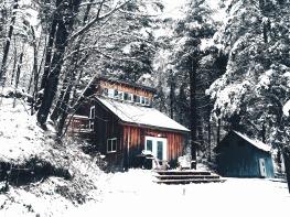 cabin-1081847_1920